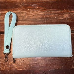 Mint jewell wallet by thirty one with wrist strap